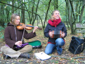 Wildnispädagogik-Musik