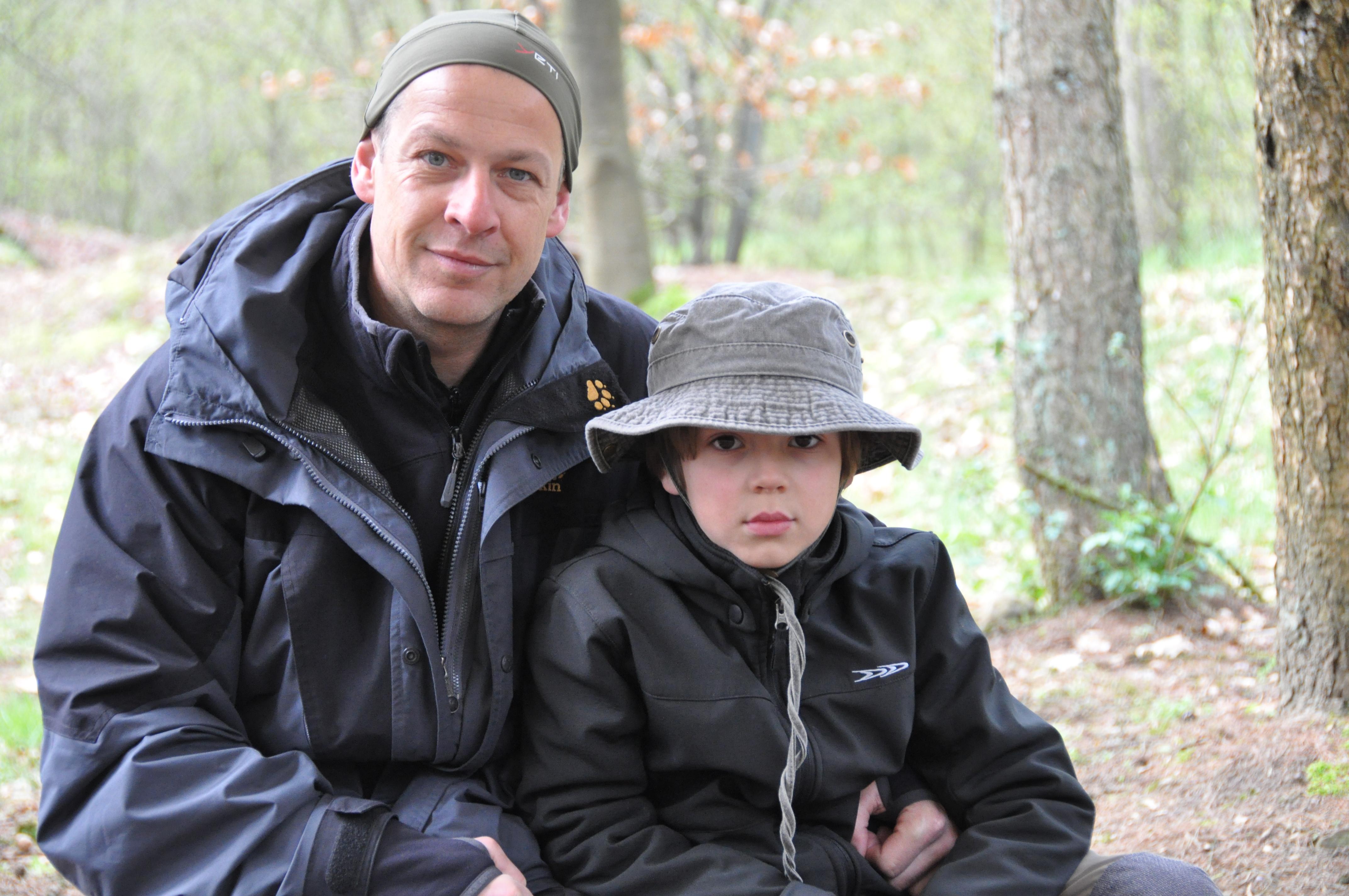 Vater und Sohn im Wildnis Camp